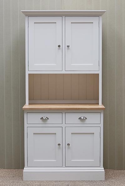 Closed-Dresser