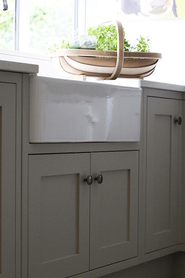 kitchen-butler-sink